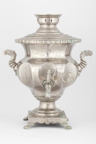 Самовар-ваза с вогнутыми овалами