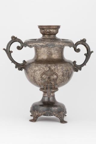 Самовар-ваза с серебряным бордюром