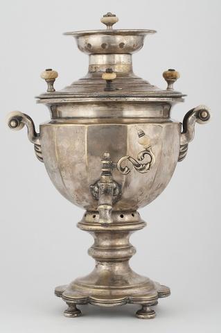 Самовар-ваза «Гранная» на фигурном поддоне